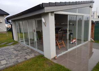 Realizace posuvné prosklené stěny s výstupem na terasu rodinného domu